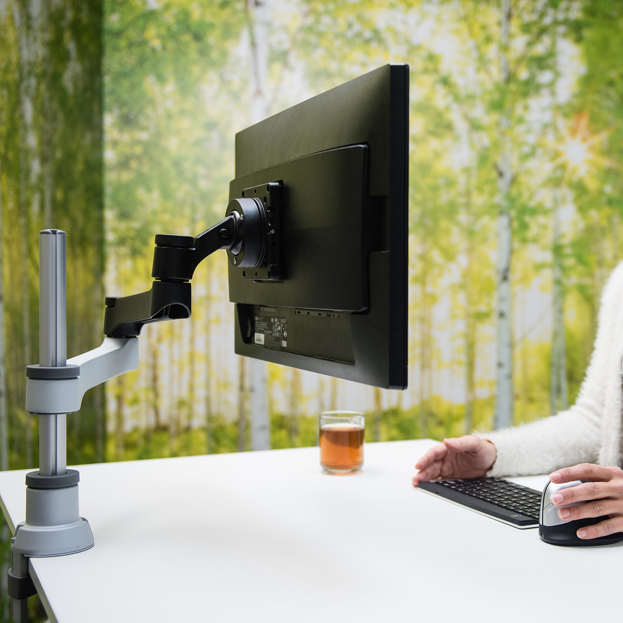 R-Go Zepher 4 C2, Circular Single Monitor Arm Desk Mount, Adjustable, 0-8 kg, Black-Silver, Low Carbon Footprint - 2